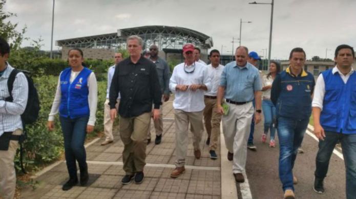 Congresistas de EE.UU. ratifican su apoyo a Guaidó en visita a la frontera