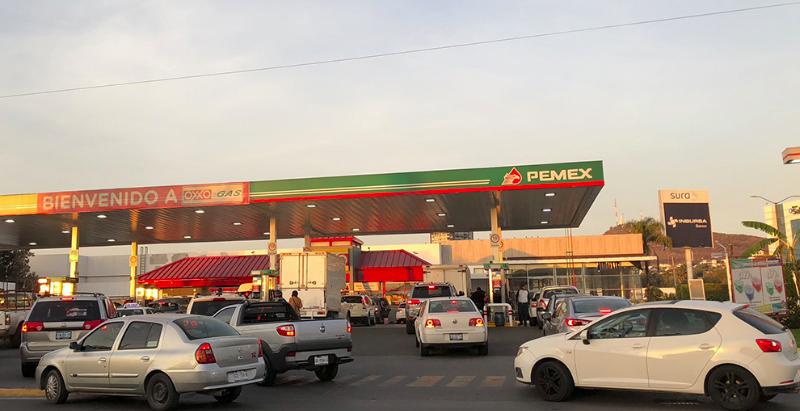 Gobierno mexicano revela precios de gasolineras más caras y más baratas