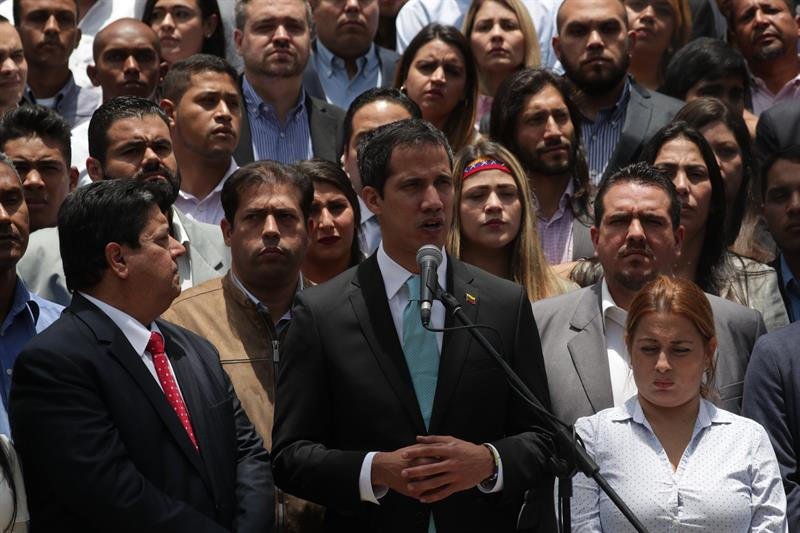 Guaidó llama a jóvenes a participar el sábado en gran protesta