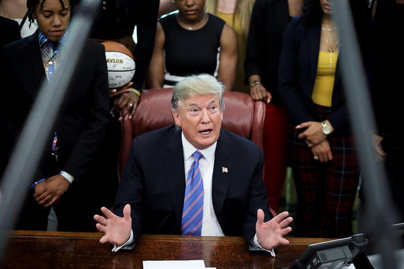 """Trump expresa su respaldo """"al pueblo de Venezuela y su libertad"""""""