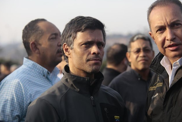 Leopoldo López y su familia se refugian en la embajada española