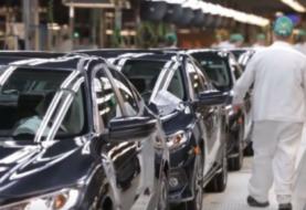 Trump posterga seis meses la decisión sobre aranceles a vehículos europeos