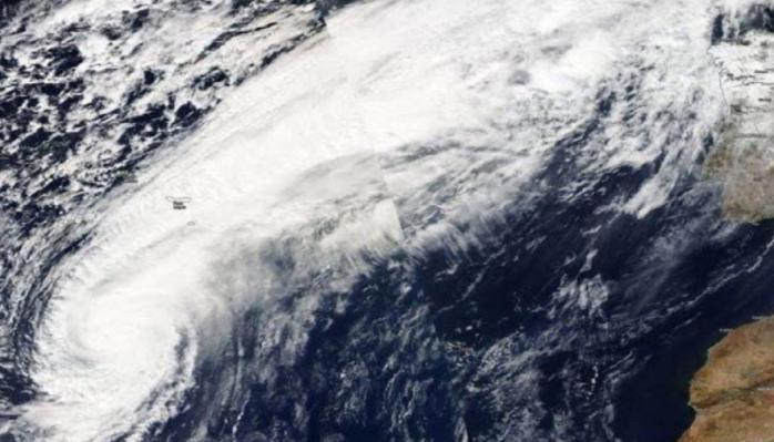 Se forma sobre el Atlántico occidental tormenta subtropical Andrea