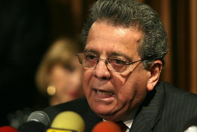 Isaías Rodríguez embajador de Venezuela en Italia renuncia
