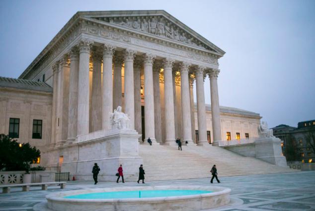 Supremo de EE.UU. evita opinar sobre aborto al referirse a ley que lo prohíbe