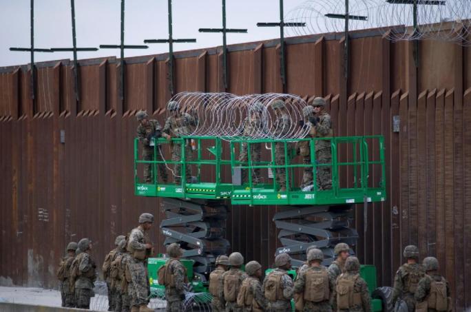"""El Pentágono defiende que envío de tropas a la frontera con México es """"legal"""""""