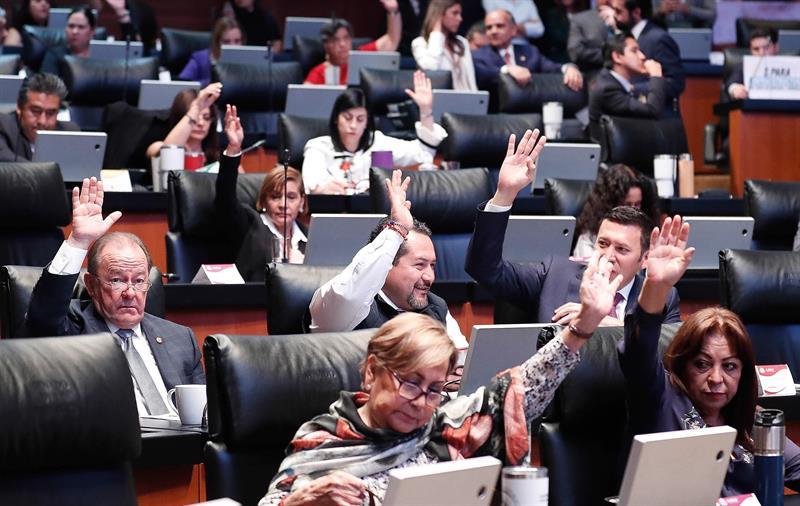 Senado mexicano aprueba reforma educativa que sustituye la vigente desde 2013