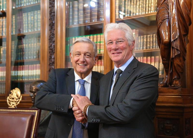 López Obrador recibe a Richard Gere en el Palacio Nacional