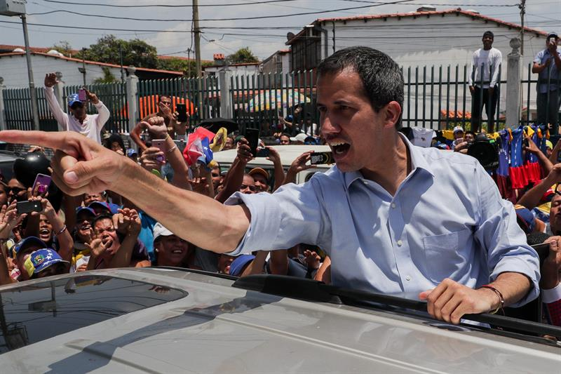"""Guaidó dice que Maduro actúa """"disociado"""" por proponer elecciones legislativas"""