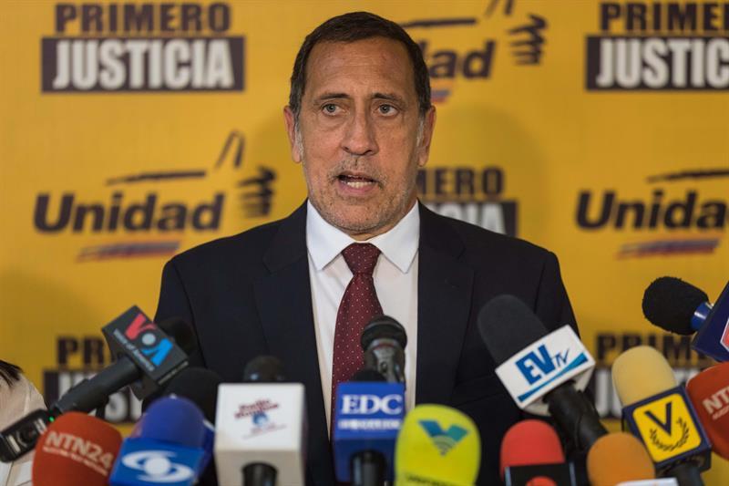 Oposición venezolana denuncia que escasez de gasolina no tiene pronto remedio