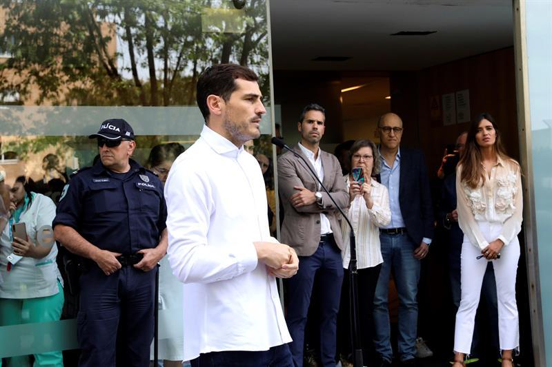 Casillas abandona el hospital de Oporto