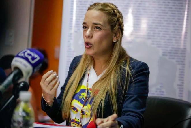 Lilian Tintori y su hija llegan a España