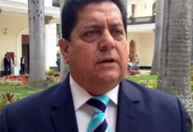 Parlamentario Edgar Zambrano inicia huelga de hambre