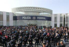 """López Obrador: Protestas muestran que Policía Federal """"no estaba a la altura"""""""
