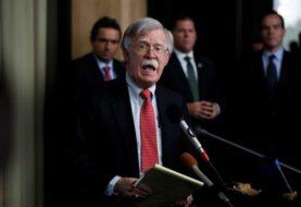 """EE.UU. trata con funcionarios venezolanos """"a espaldas de Maduro"""" su salida"""