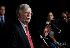 """Bolton: """"o haces negocios con Venezuela o haces negocios con EE.UU."""""""