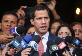 Guaidó suspende de funciones a un grupo de diputados