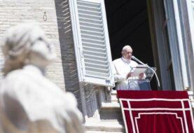 El papa pide por la paz en Oriente Medio y en el resto del mundo