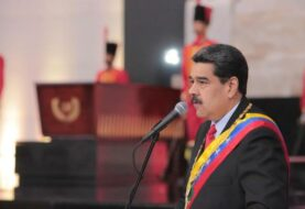 Maduro reprime a las fuerzas de seguridad para mantener control