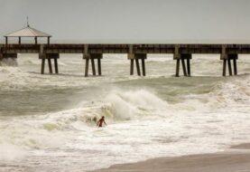 Florida en vilo cruza los dedos para que Dorian se aleje de su costa