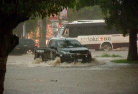 Huracán Lorena pone en máxima alerta a varios estados del noroeste de México