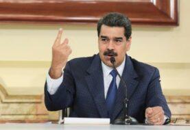 """Maduro evalúa elevar penas por """"traición a la patria"""""""