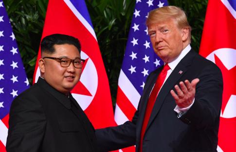 """Pionyang da ultimátum a EEUU y destaca la relación """"especial"""" de Kim y Trump"""