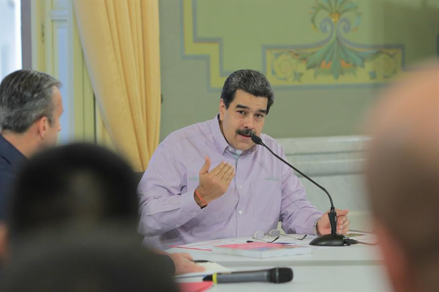 "Maduro afirma que en Chile comenzó ""un proceso popular constituyente"""