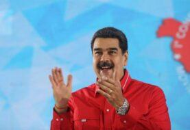 """Maduro llama """"estúpido"""" a Moreno y se deslinda de protestas regionales"""