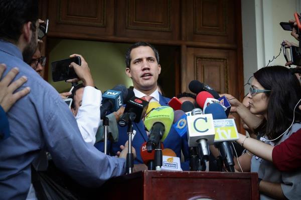 Guaidó dice que transición respetará deudas legítimas contraídas por Maduro