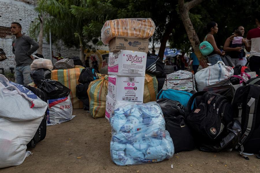 Un viaje de 1.720 kilómetros a Cúcuta para llenar las despensas de Caracas