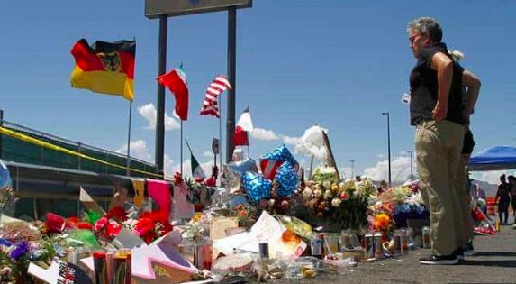 El Paso honra a las víctimas de la matanza con ofrendas y altares
