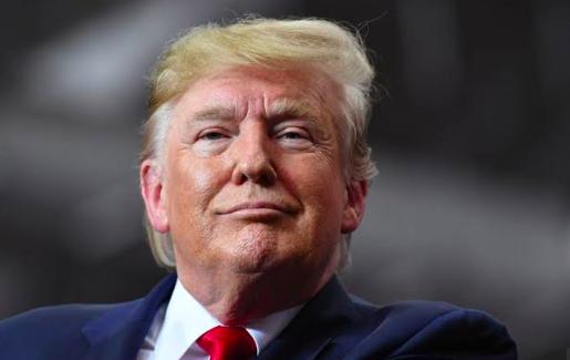 Jueza ordena a Trump pagar 2 millones de dólares por mal uso de su fundación
