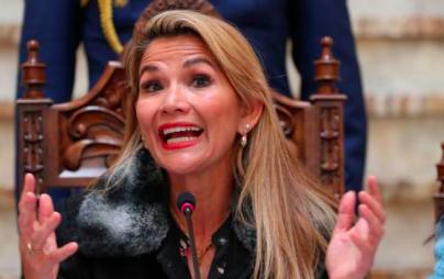 Presidenta boliviana cancela un viaje en el país por temor a un atentado