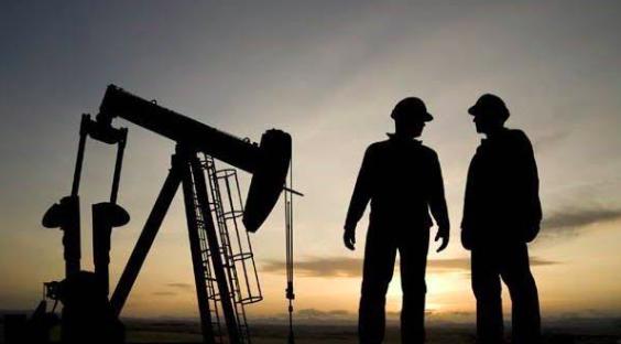 Petróleo venezolano rompe tendencia a la baja y cierra en 51,62 dólares