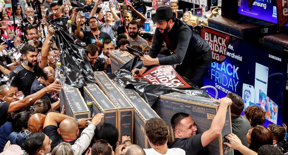 """Miles de brasileños se dejaron llevar por la fiebre del """"Black Friday"""""""