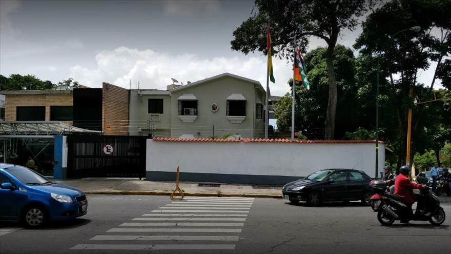 Régimen da 72 horas a agregados militares de Bolivia para abandonar Venezuela