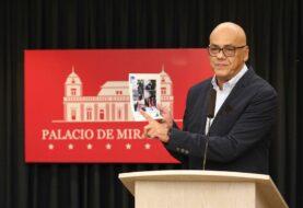 Gobierno de Maduro insiste en vincular a opositor Guaidó con banda colombiana