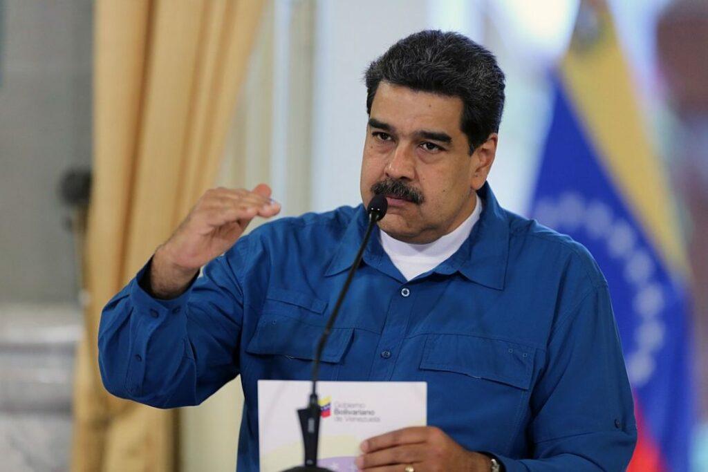 """Maduro denuncia más de 47 """"complots"""" financiados"""