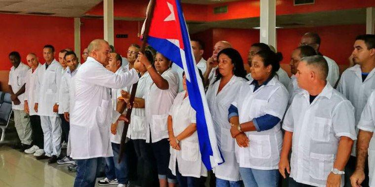 Cuba retira a sus médicos de Bolivia tras detención de cuatro de ellos