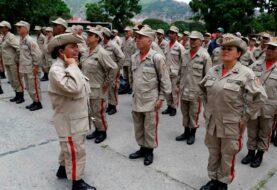 Maduro amenazado llama a las milicias a patrullar las calles de Venezuela