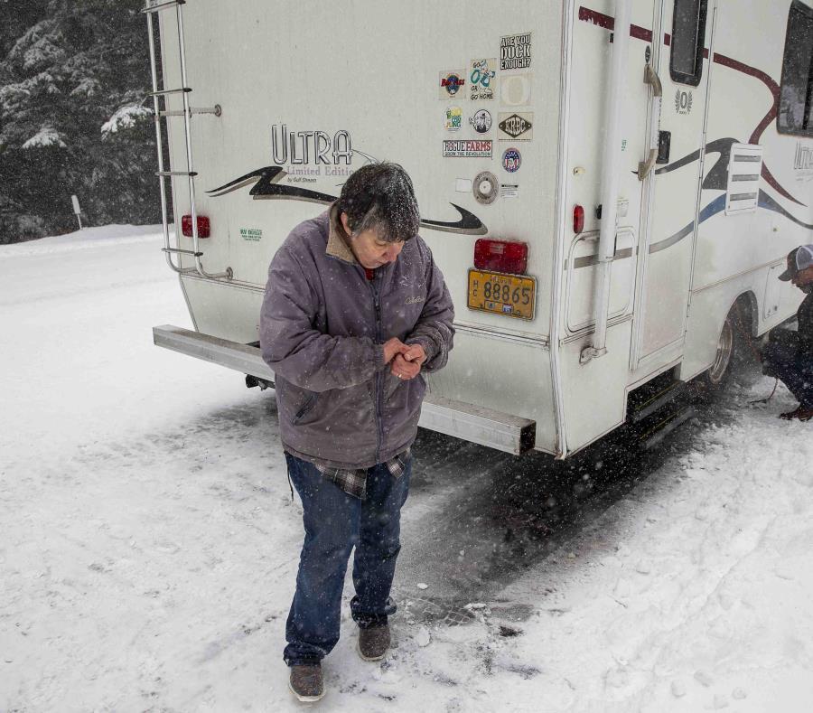 Nieve paraliza parte de EEUU y pone en peligro vuelos por Acción de Gracia