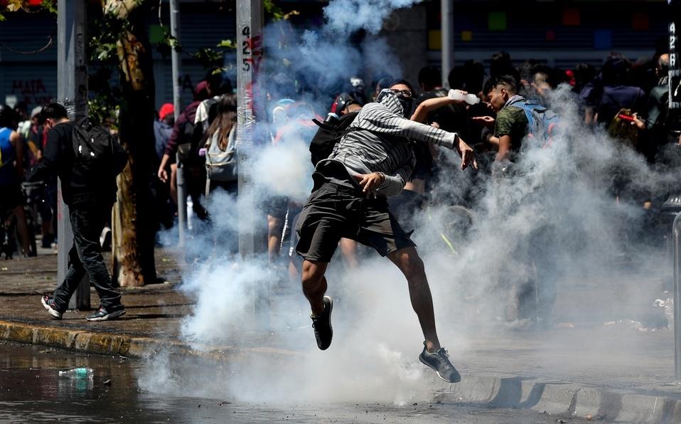Policía de Chile se desgasta tras 40 días de protesta y violencia
