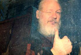 Defensa de Assange dice que su ordenador en la cárcel no es apto para su caso