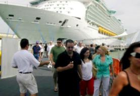 Padres de niña que sufrió caída mortal en crucero demandan a compañía en EEUU