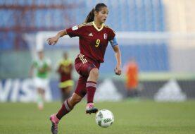 Deyna Castellanos está lista para el fútbol profesional