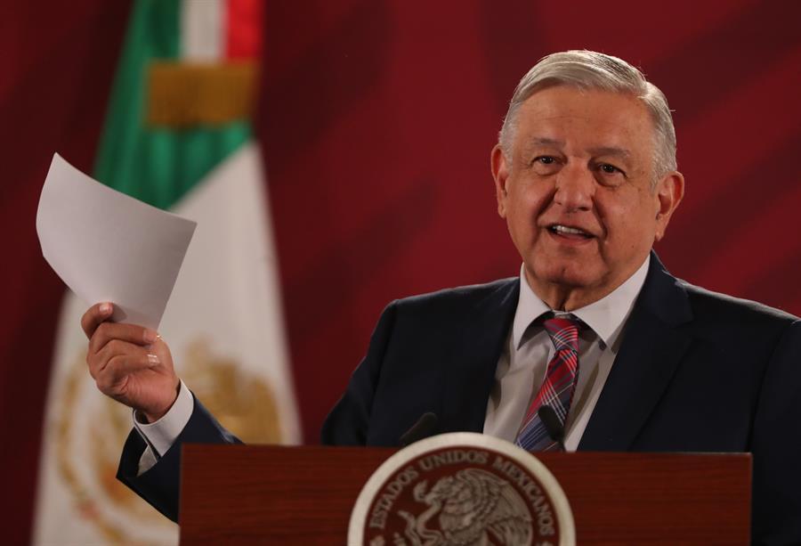 López Obrador defiende nuevo instituto de salud de México