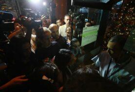 Cuerpos de seguridad venezolanos mantienen el bloqueo a oficina de Guaidó