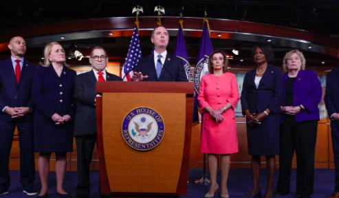 """Demócratas critican el juicio político """"amañado"""" contra Donald Trump"""