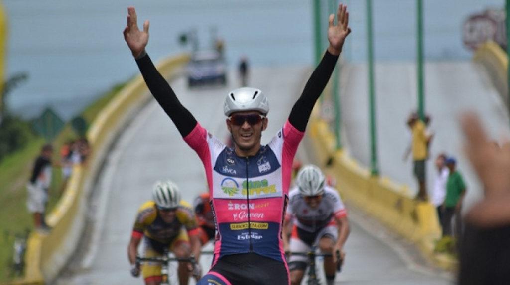 Venezolano Monsalve gana segunda etapa de Vuelta al Táchira